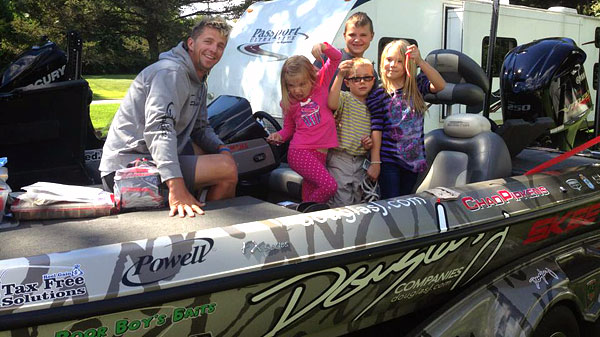 Chad Pipkens visits with some of his fans in Waddington NY prior to the August 2013 St. Lawrence River Elite Series Event