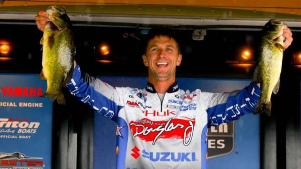 Chad Pipkens leads day 1 at the 2018 La Crosse Bassmaster Elite Series tournament.
